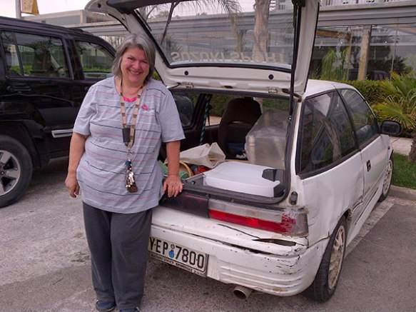 We were asked to deliver some bric-a-brac to the Filozoikos Shelter — it was a pleasure to see Kiki again…