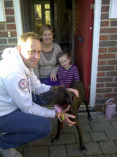 Eleni from the Filozoikos shelter in Athens meets her new family — Chris, Jodie and Ruby