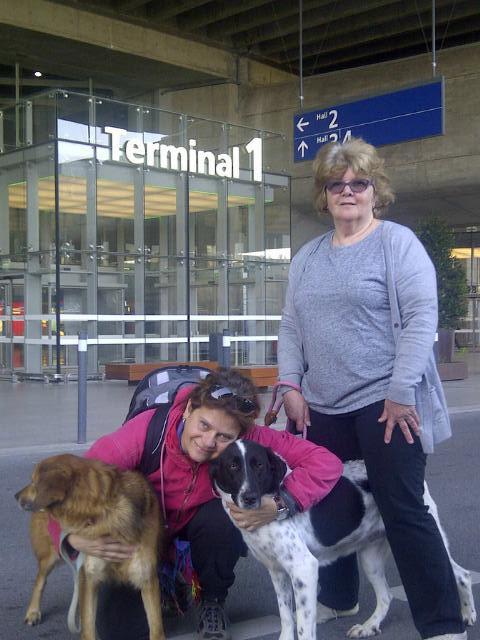 Susanne walked the Paris arrivals with courier J