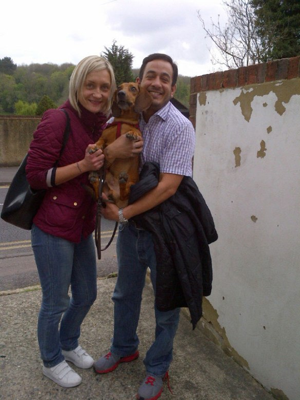 Guiseppe arrives with Linda and Alejandro — lots of goodbye cuddles