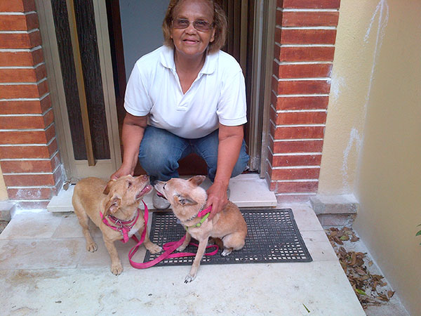 Heidi (L) and Bob (R) with Isabel who has been taking wonderful care of them