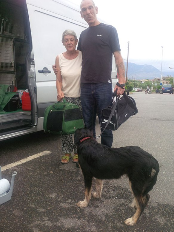 Andros with Oscar the dog and Mandy in her cat carrier. Also in the photo is Daphne, who works very hard with stray and unwanted dogs and cats in the Stoupa area. Oscar and Mandy stayed with her until their pet passports became live.