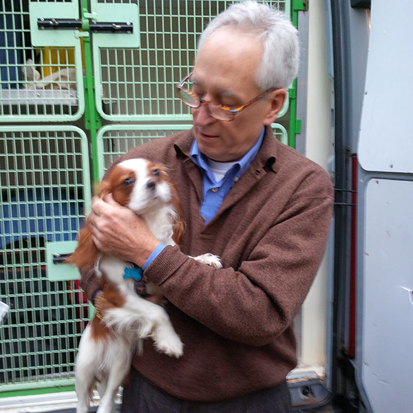 Marley gets a goodbye hug from John