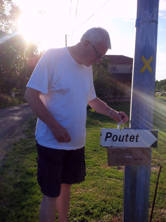 Just in case we weren't sure — a sign directing us to Muppet and Boo's new French home