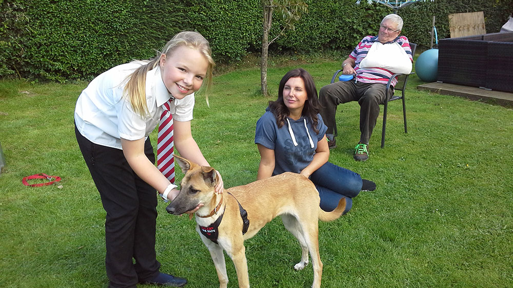 Rikki meeting her new family…