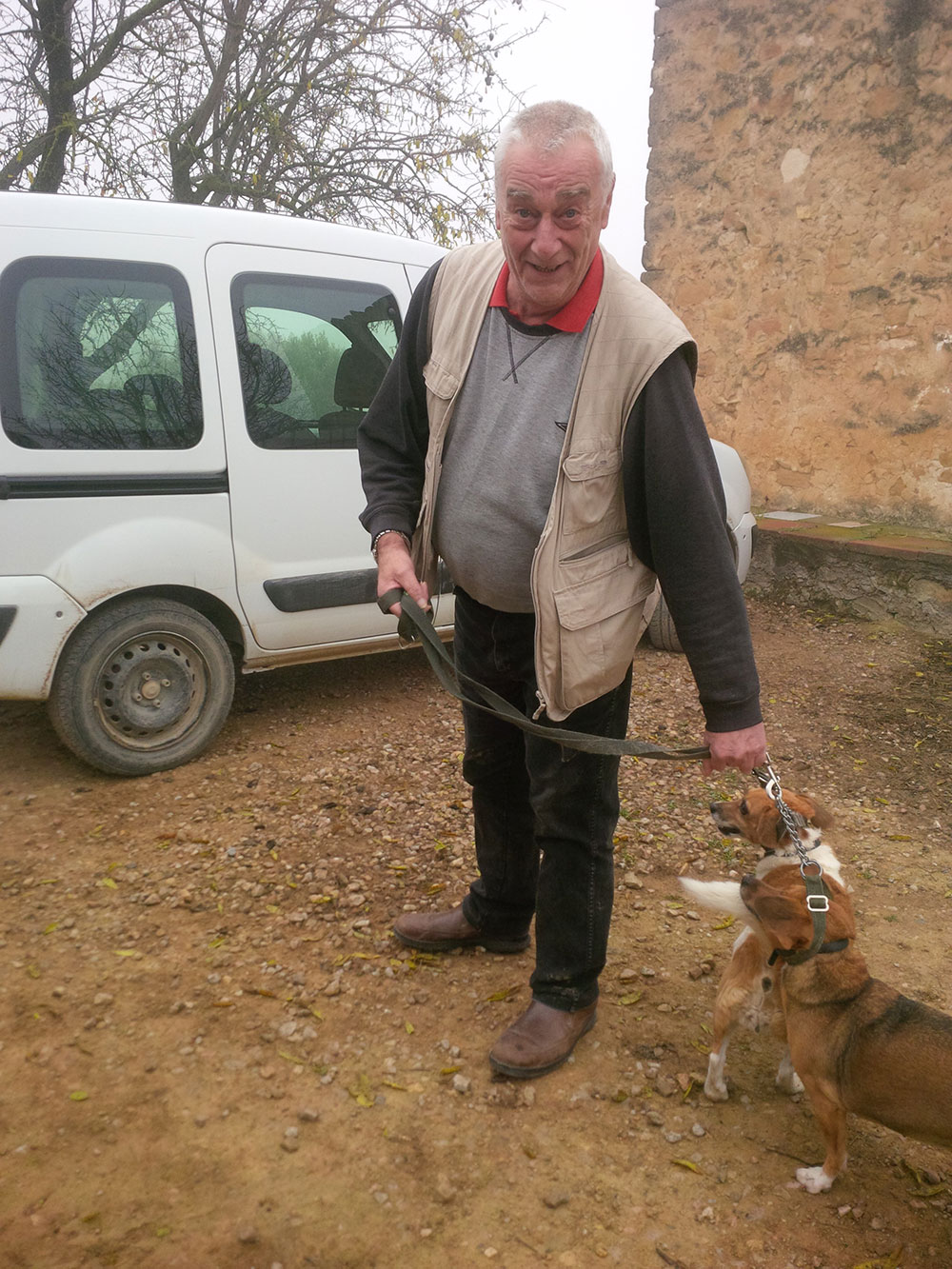 Les was away at a Christmas market, so it was left to Bill to demonstrate his dog-wrangling skills